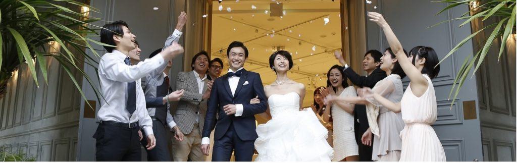 結婚式_花びらシャワー