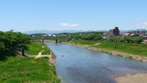 釈迦堂川新緑と那須連峰DSC_0117