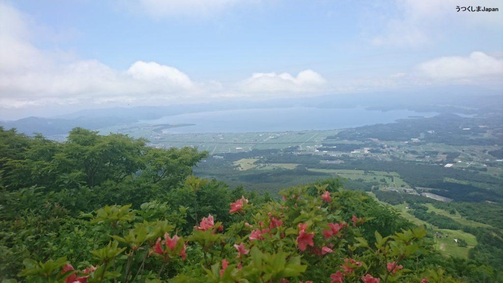 翁島から磐梯山中腹から見た猪苗代湖DSC_0320